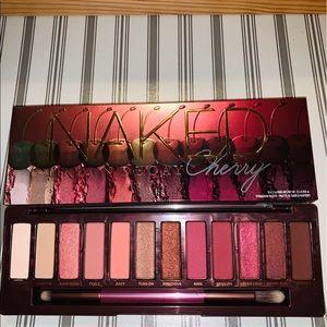🎊Urban Decay - Naked Cherry Eyeshadow Palette 🎊